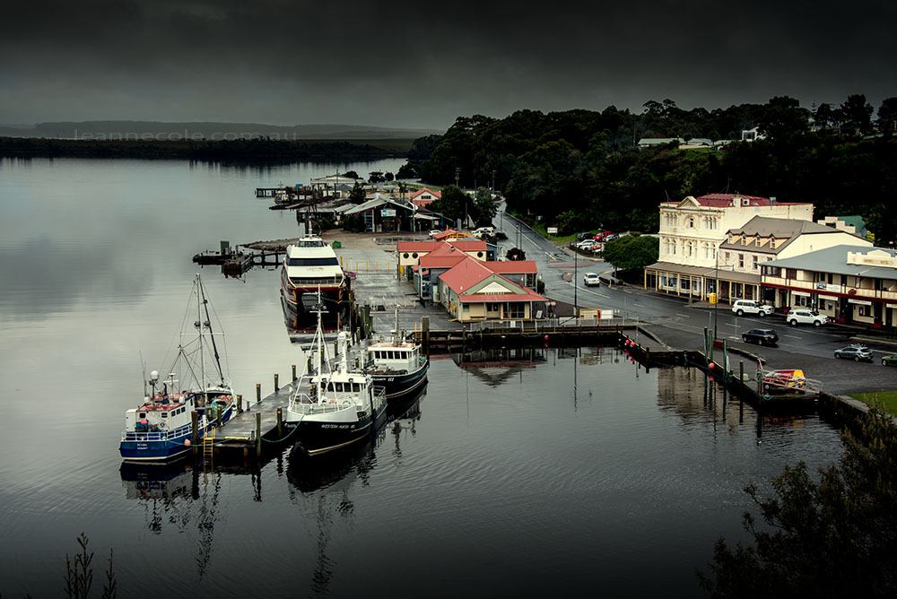 strahan-harbour-lookout-boats-tasmania