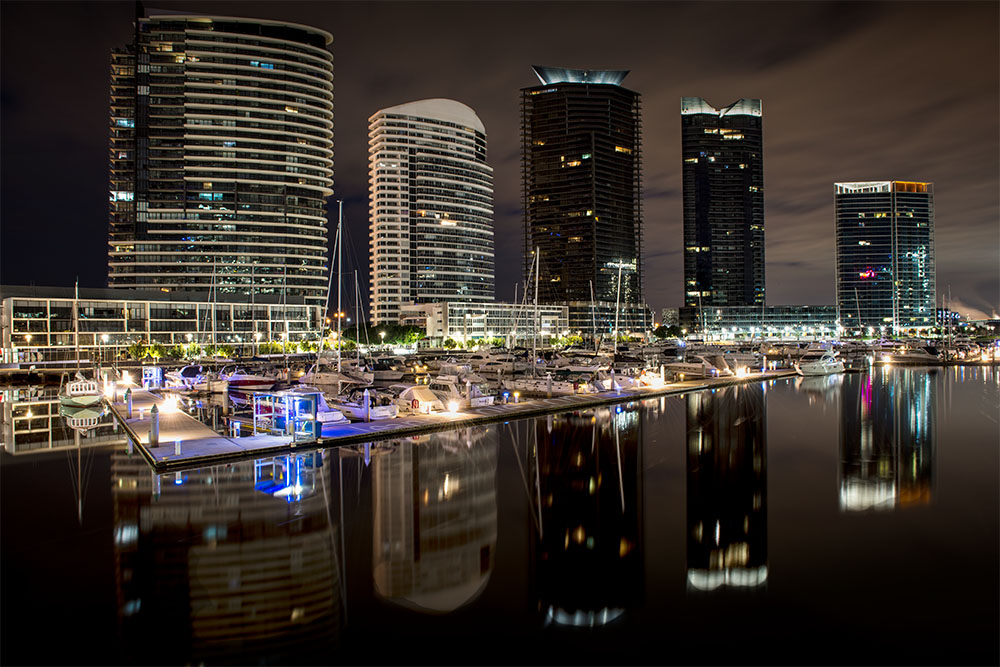 docklands-harbour-reflections-water-melbourne