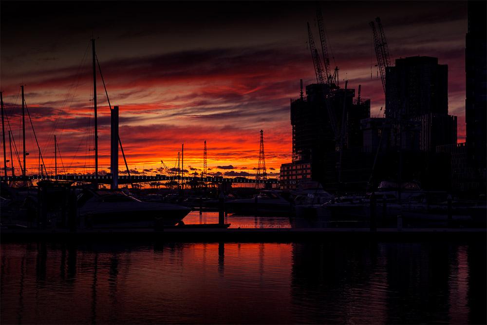 docklands-sunset-silhouette-melbourne-boats