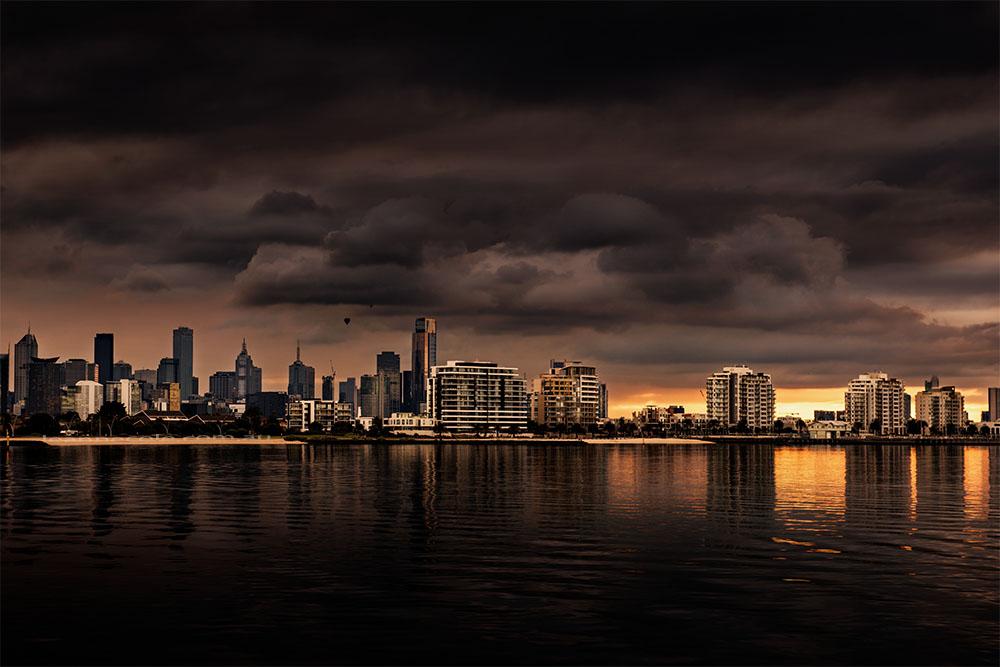 port-melbourne-bay-skyline-sunrise
